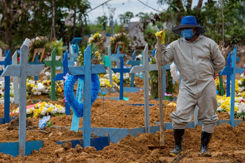 A primeira vítima da covid-19 no Brasil morreu há exatos 200 dias